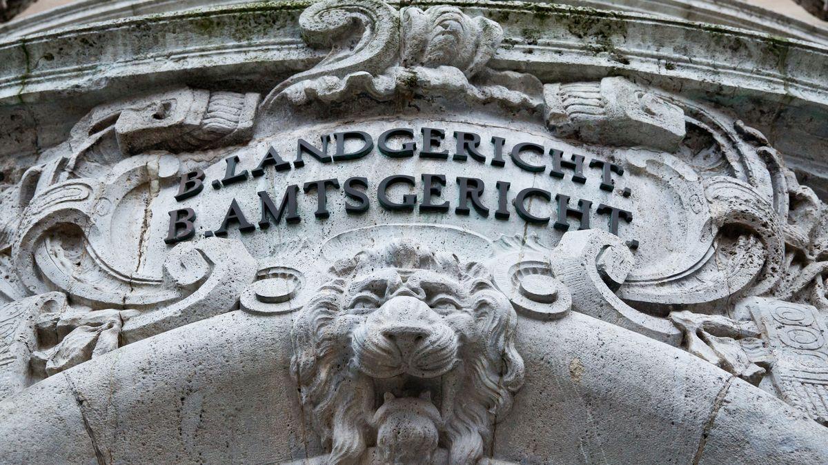 Enkeltrick-Betrüger in Schweinfurt vor Gericht