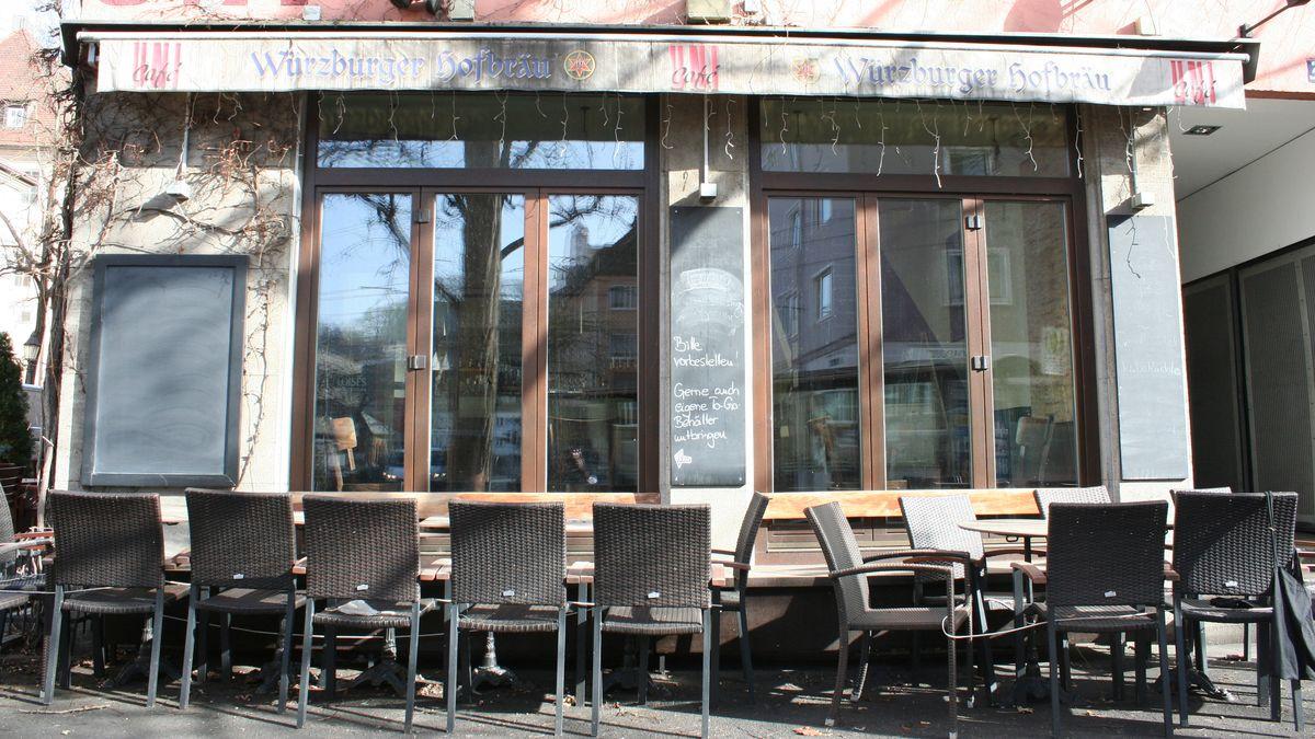 Ein geschlossenes Café in Würzburg (Symbolbild)
