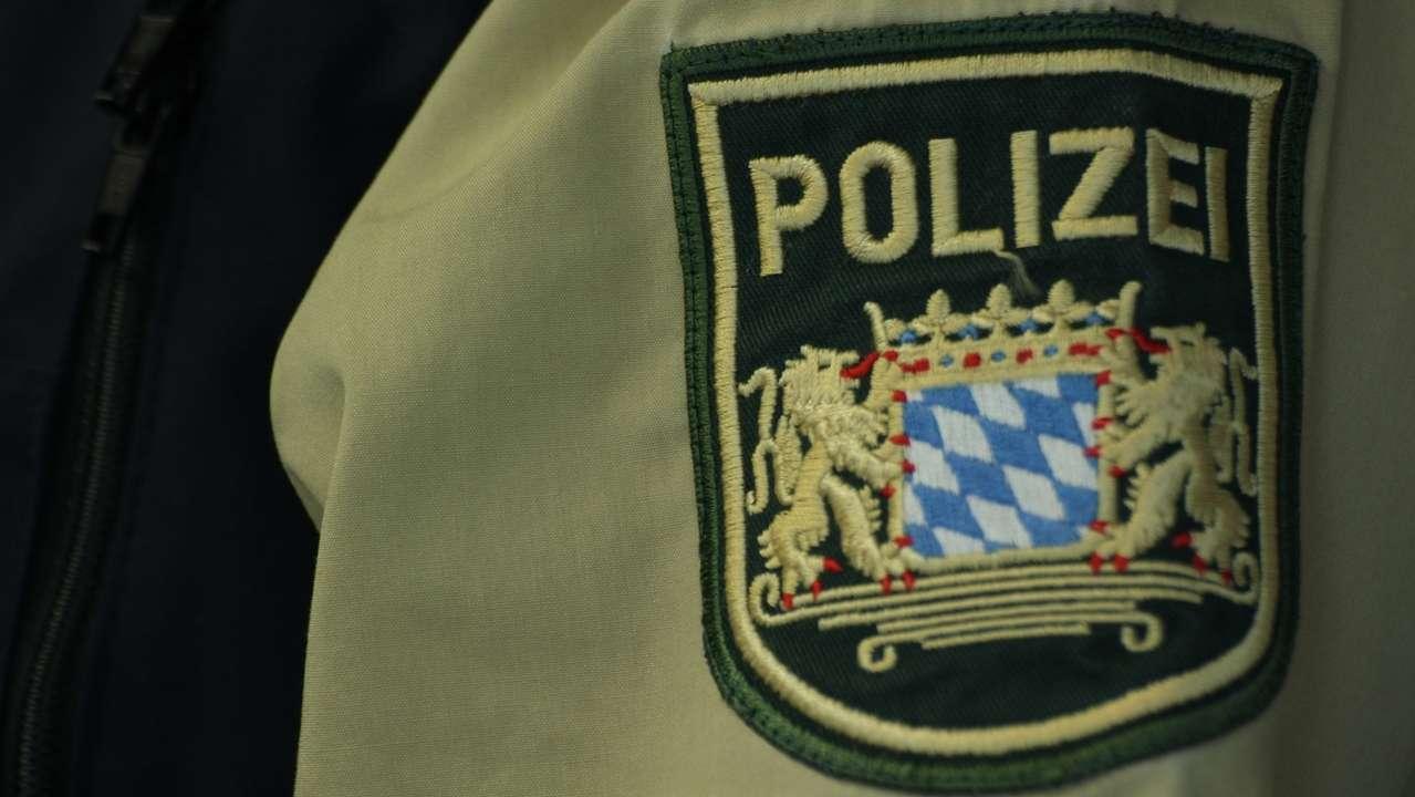 Polizei-Uniform: Hemd.