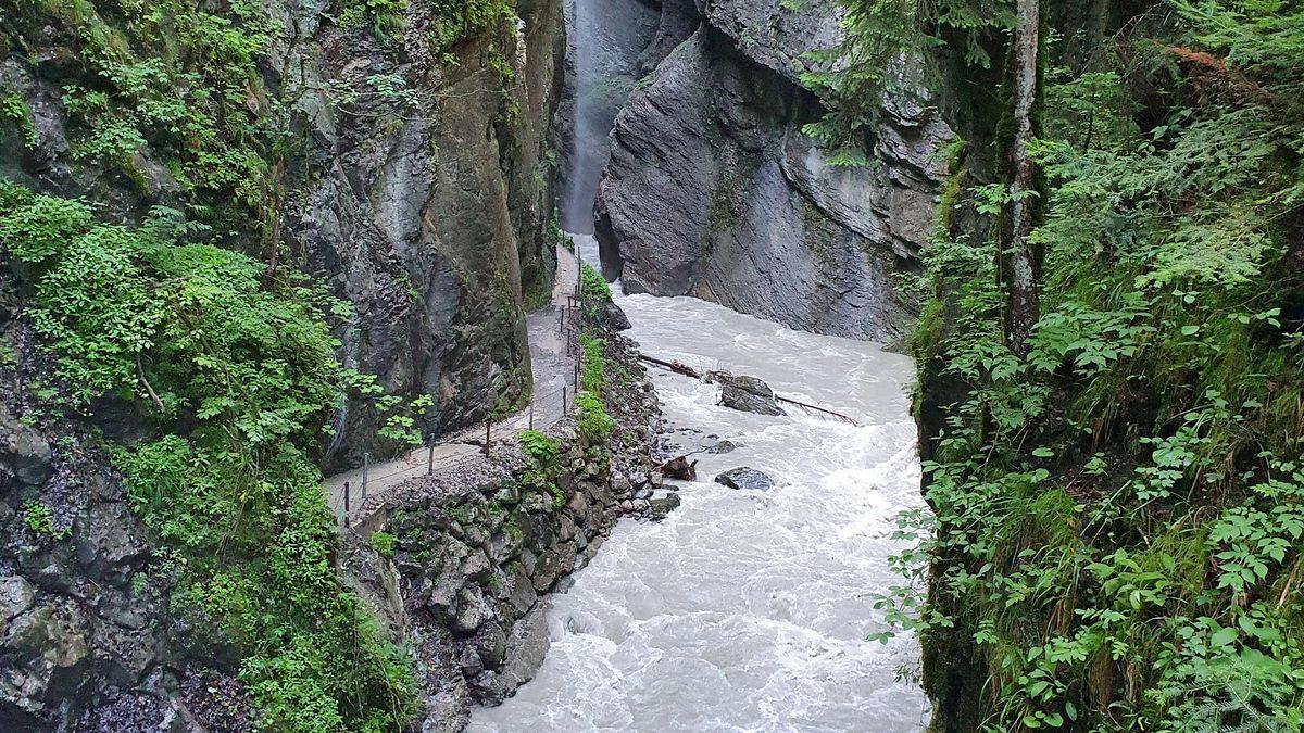 Die Partnachklamm mit Hochwasser