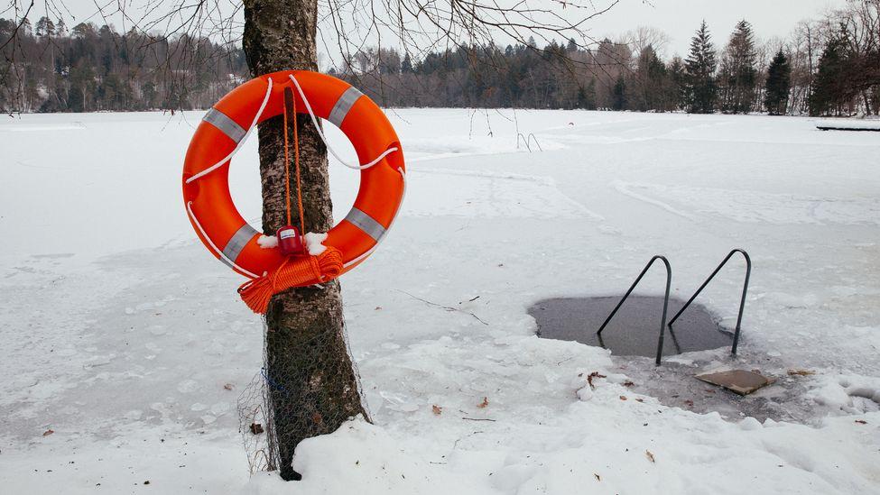 Zugefrorener See (Symbolbild)