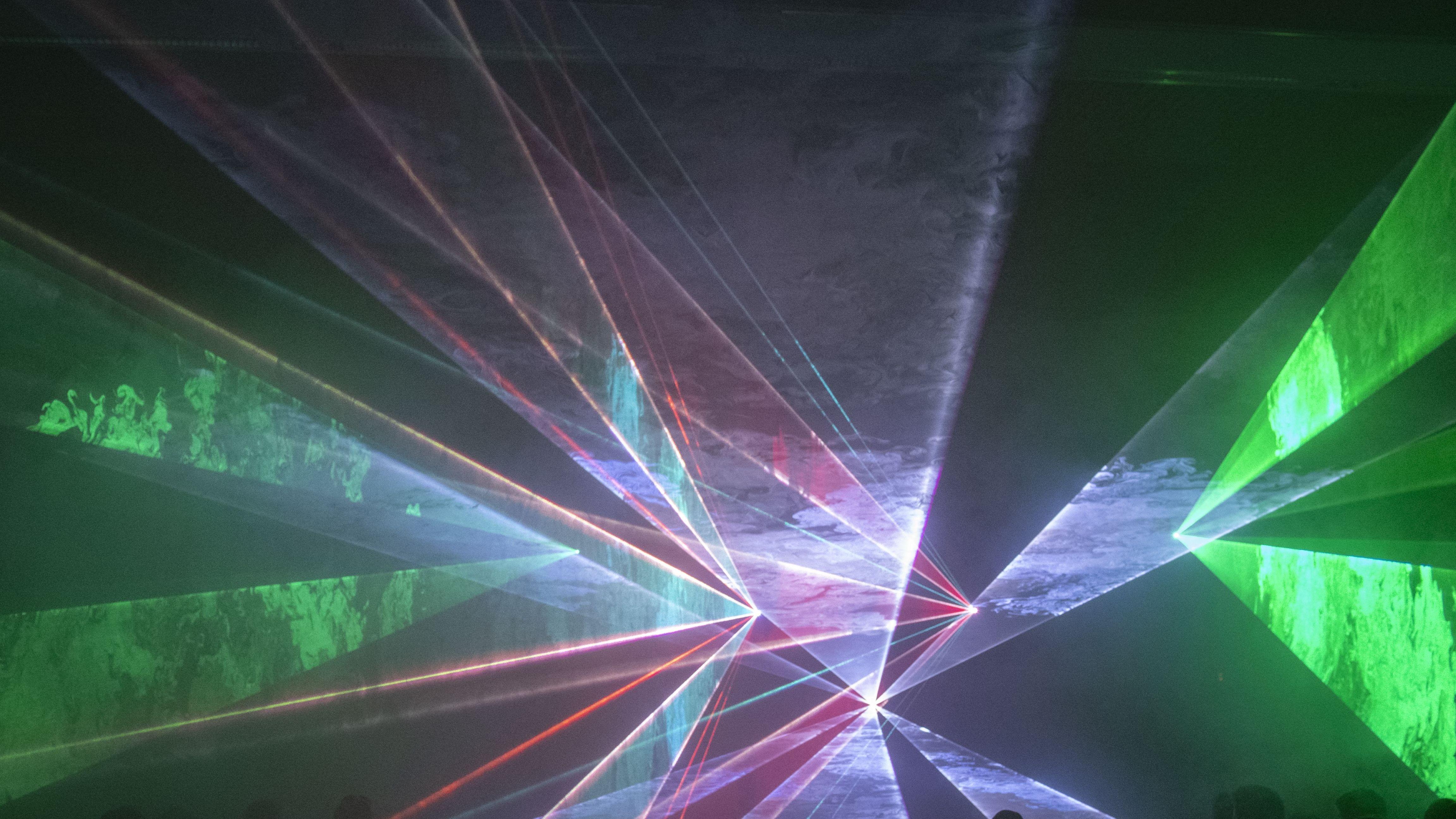 Lasershow mit Musik statt Böller und Raketen in Landshut
