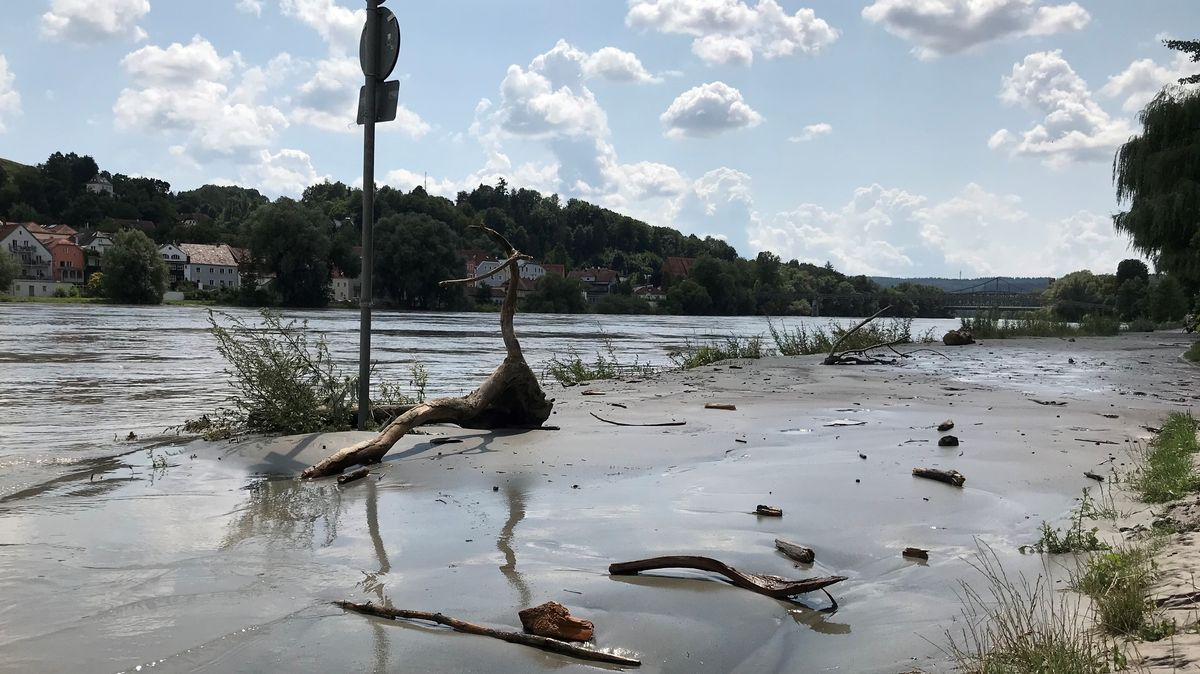 In Passau sinken die Pegel von Donau und Inn wieder
