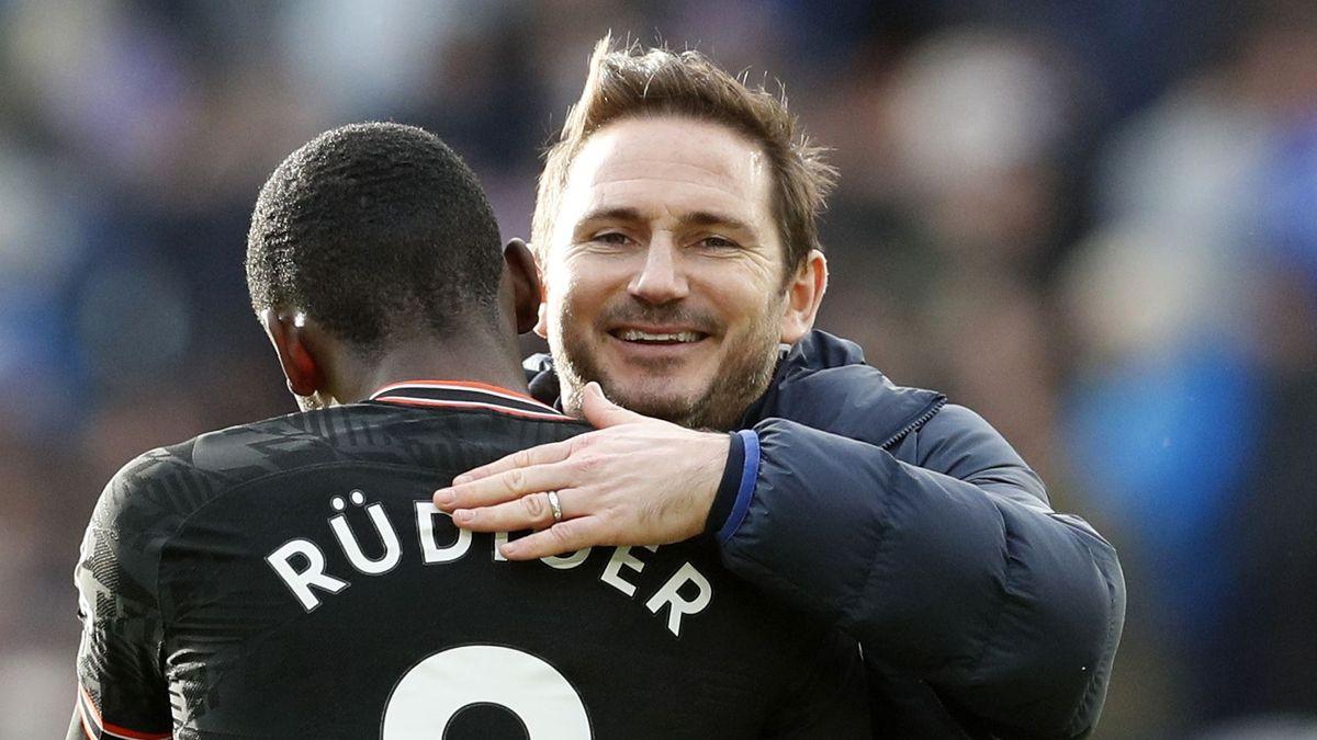 Chelsea-Trainer Franklampard (rechts) und sein Spieler Antonio Rüdiger (Archivbild)