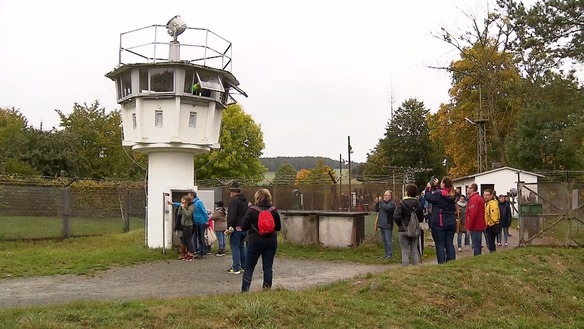 Tausende in Mödlareuth zum Tag der Deutschen Einheit