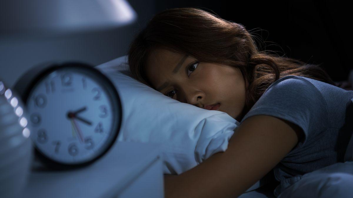 Aufgrund der Corona-Pandemie schlafen wir schlechter. Dabei kann ein erholsamer Schlaf wahrscheinlich sogar einer Covid-19-Erkrankung vorbeugen.