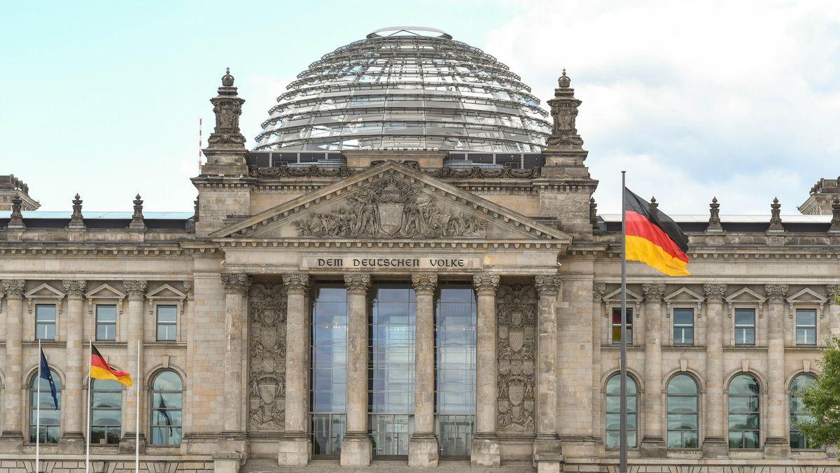 Reichstagsgebäude mit Bundestag