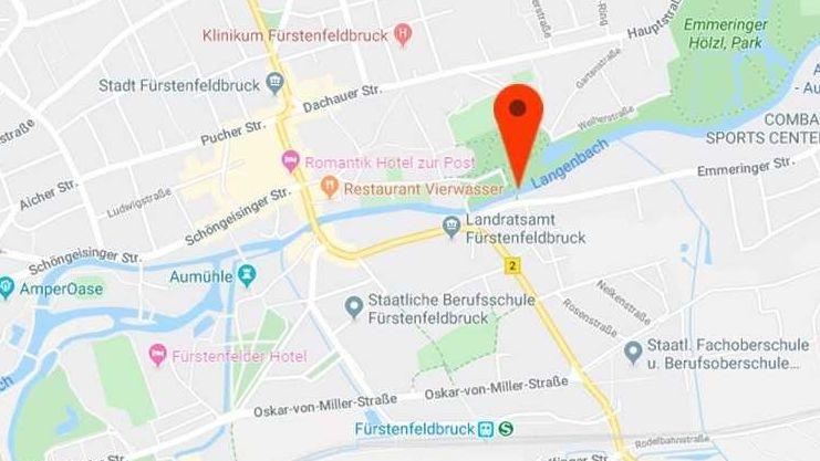 """Screenshot von Google Maps - """"Langenbach"""" heißt hier das Fließgewässer durch Fürstenfeldbruck, das alle Welt sonst als Amper kennt."""