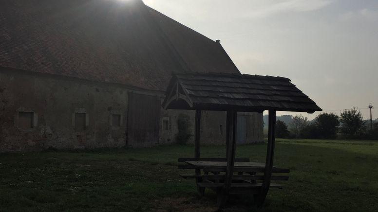 """Ehemalige Niederlassung der Glaubensgemeinschaft """"Zwölf Stämme"""" in Klosterzimmern   Bild:BR/Judith Zacher"""
