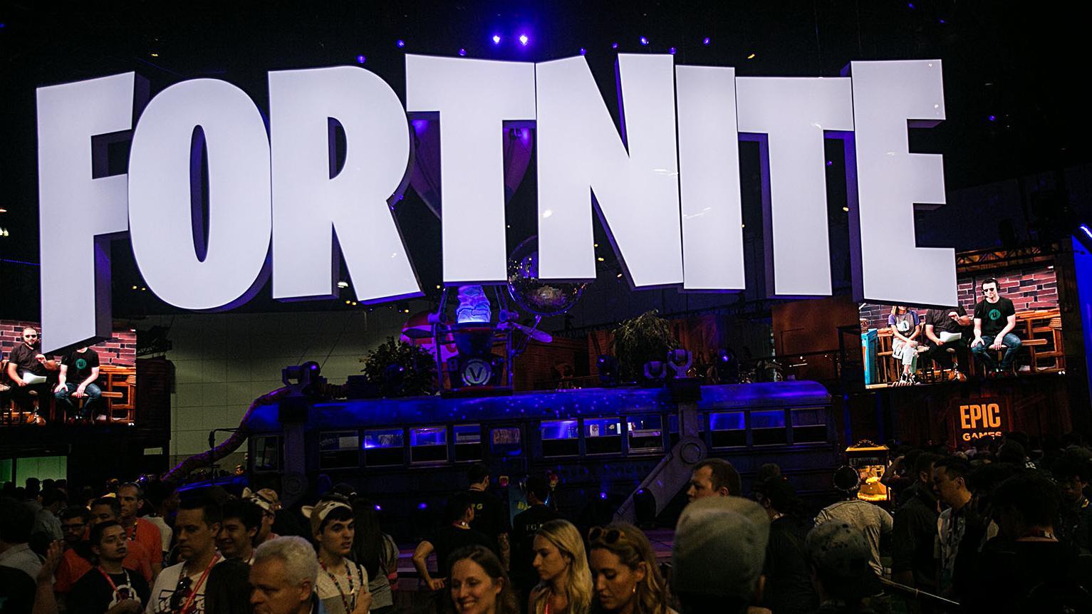 Menschen  bei einem Fortnite-Treffen