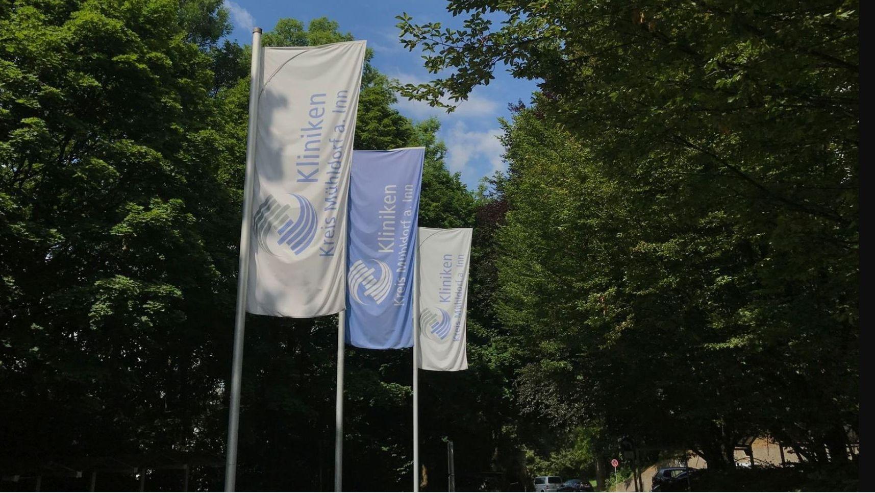 Parkplatz an der Kreisklinik Mühldorf.