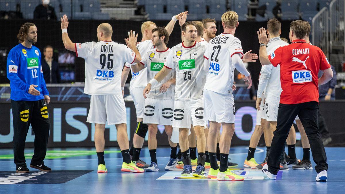 Die deutschen Handballer nach dem klaren Sieg gegen Österreich