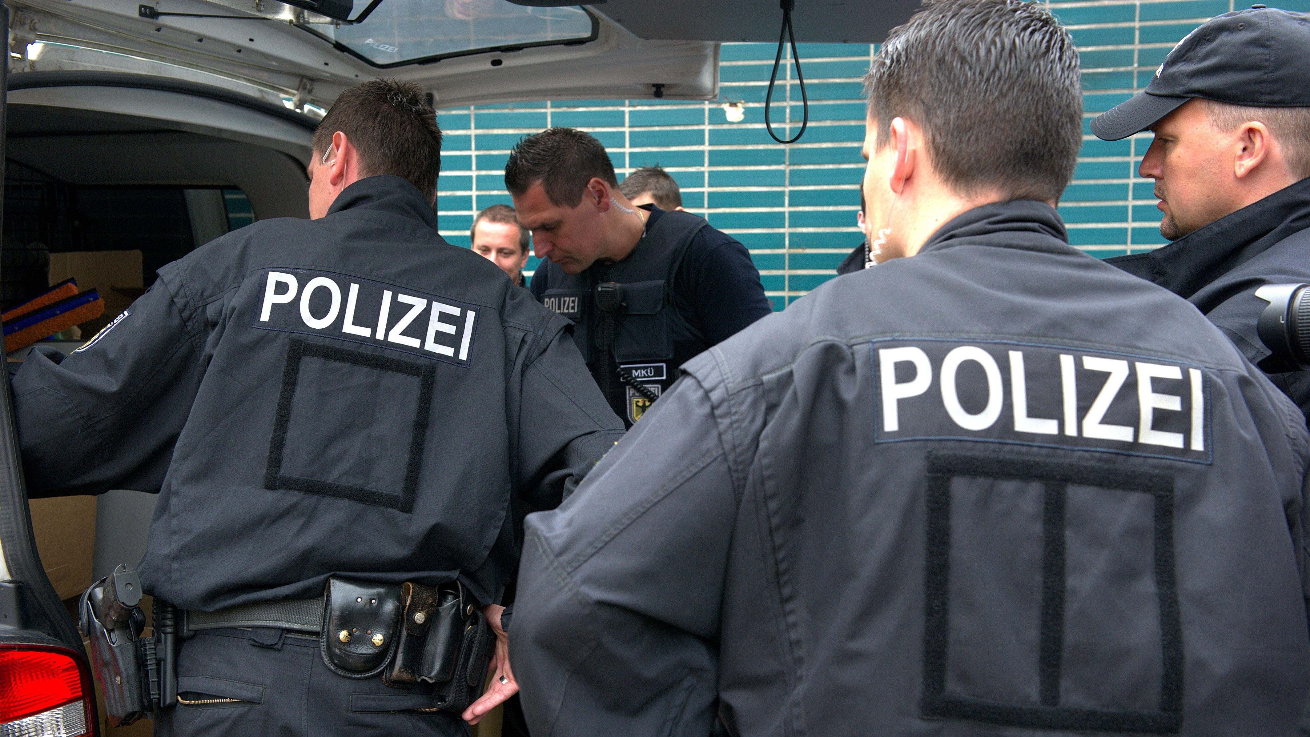 Bundespolizei zerschlägt Schleuserbande für Leiharbeiter