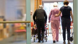 Senioren im Pflegeheim   Bild:pa/dpa/Christian Charisius
