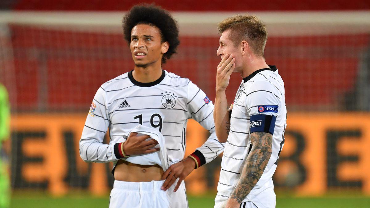 Leroy Sané (l.) und Toni Kroos gehen wohl mit dem DFB-Team auf Länderspielreise.
