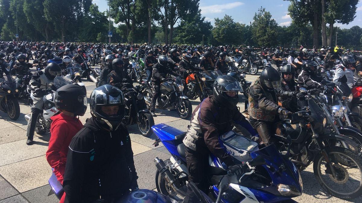 Motorrad-Demonstration in Nürnberg.