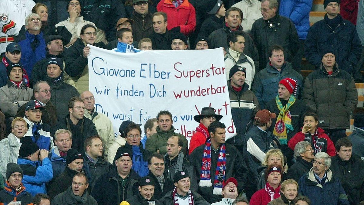 Die Fans des FC Bayern München feiern Giovane Elber - trotz Gegentor