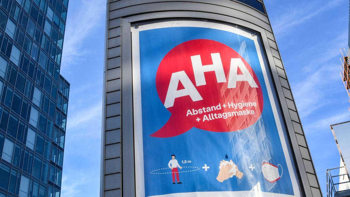 Plakataufruf zur Einhaltung der Abstands- und Hygieneregeln in Deutschland