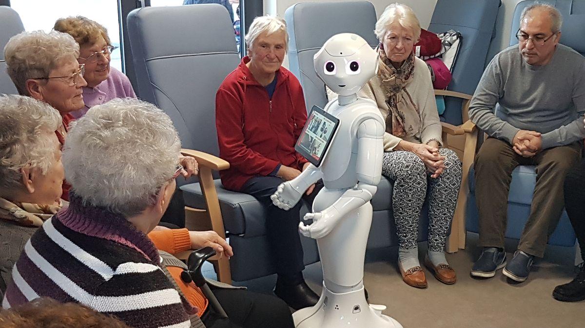 Pflegeroboter im Seniorenheim