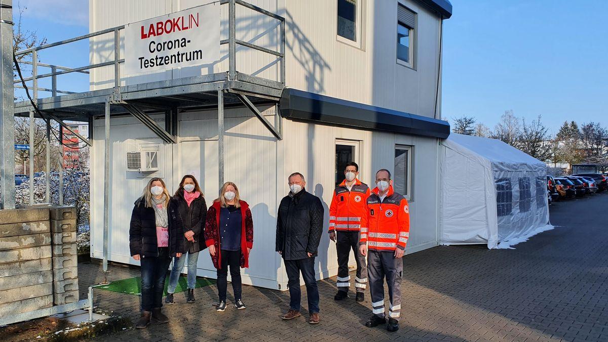 Die Firma Laboklin betreibt in Bad Kissingen eine neue Corona-Schnellteststrecke.