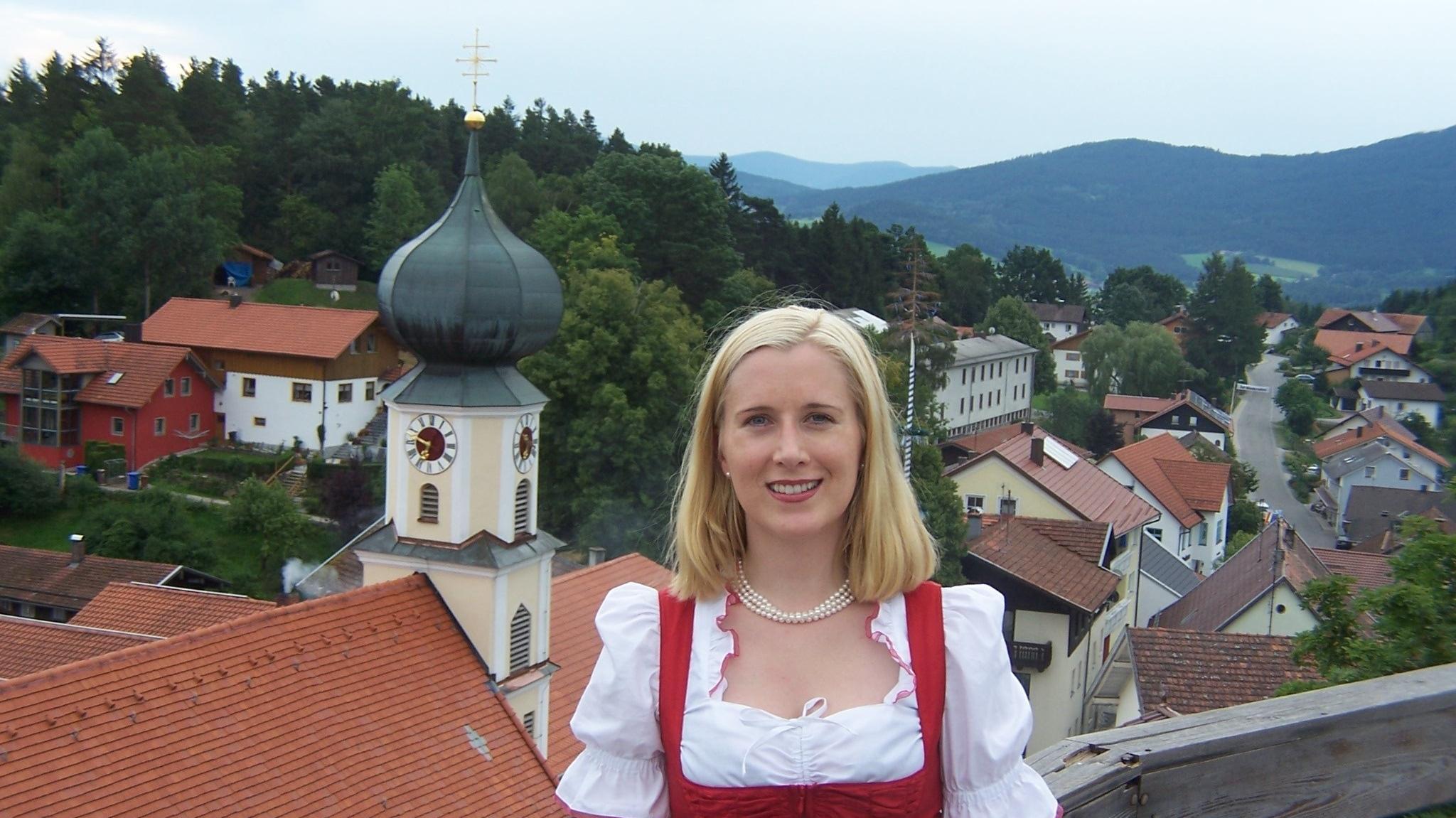 Josefa Schmid, Bürgermeisterin von Kolnburg