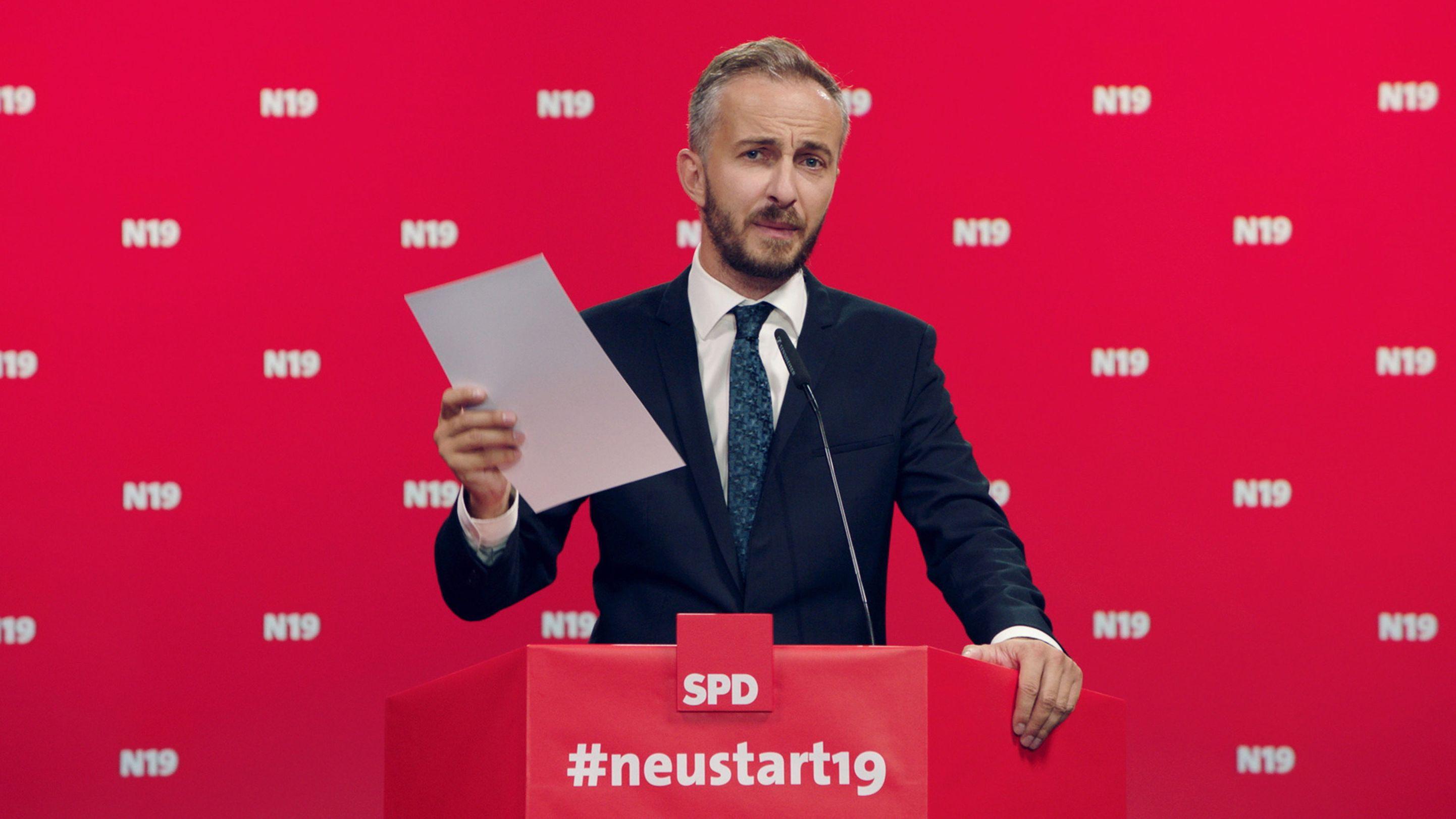 """Der Satiriker Jan Böhmermann bewirbt sich nach eigenen Worten mit der Kampagne #neustart19 um den SPD-Parteivorsitz in seiner Sendung """"Neo Magazin Royale"""", die am 29.08.2019 im ZDFneo ausgestrahlt worden ist."""