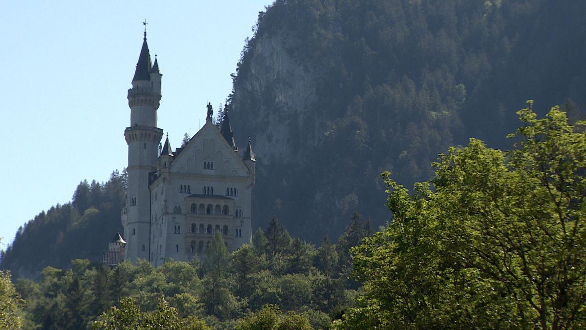 Das Schloss Neuschwanstein in der Nähe von Füssen