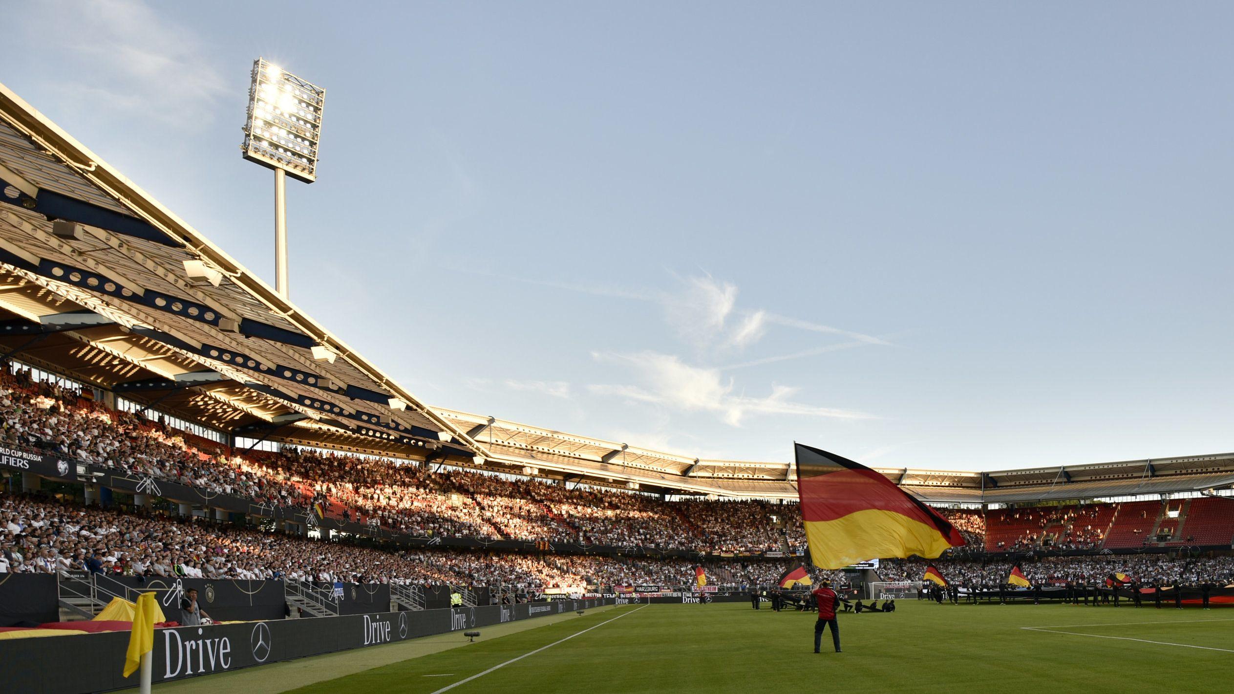 Länderspiel im Nürnberger Max-Morlock-Stadion
