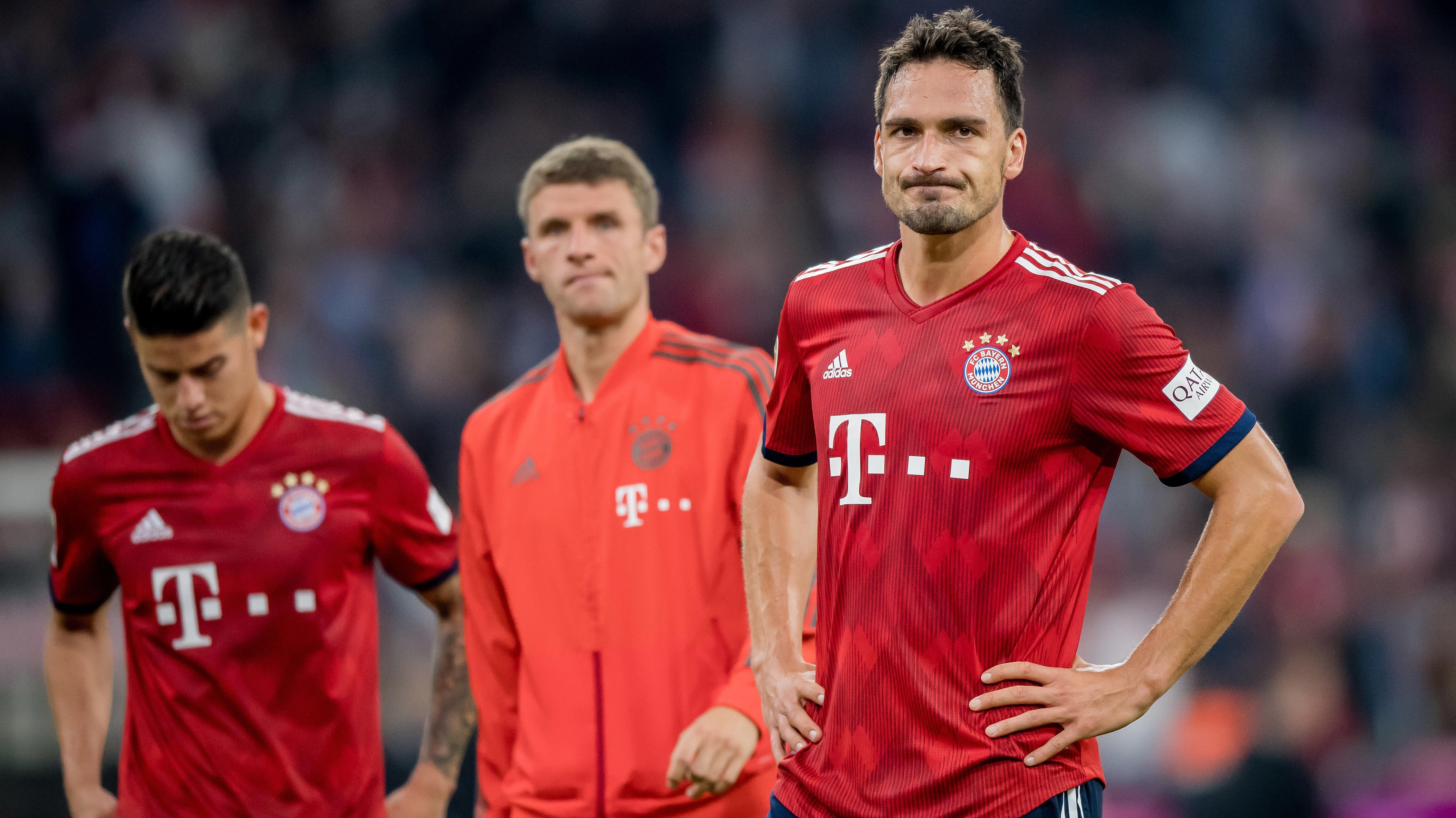 James Rodriguez, Thomas Müller und Mats Hummels - bedient nach der 0:3-Niederlage gegen Mönchengladbach