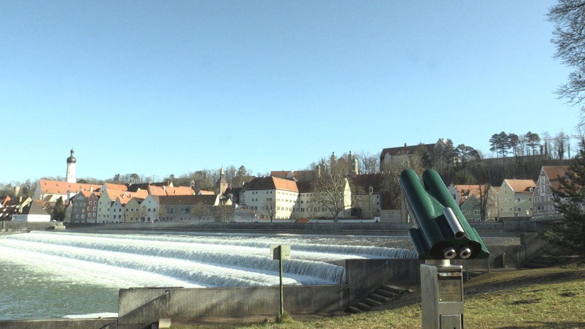 Karolinenwehr mit Landsberger Altstadt im Hintergrund