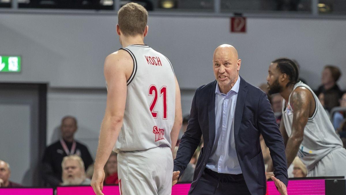 Head Coach Denis Wucherer mit Florian Koch