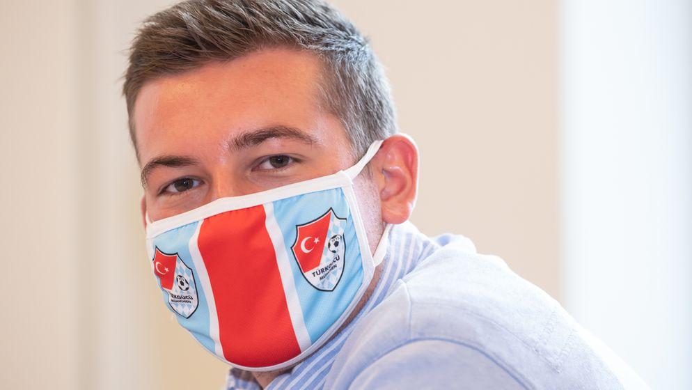 Türkgücü-Geschäftsführer Max Kothny mit Schutzmaske | Bild:picture-alliance/dpa