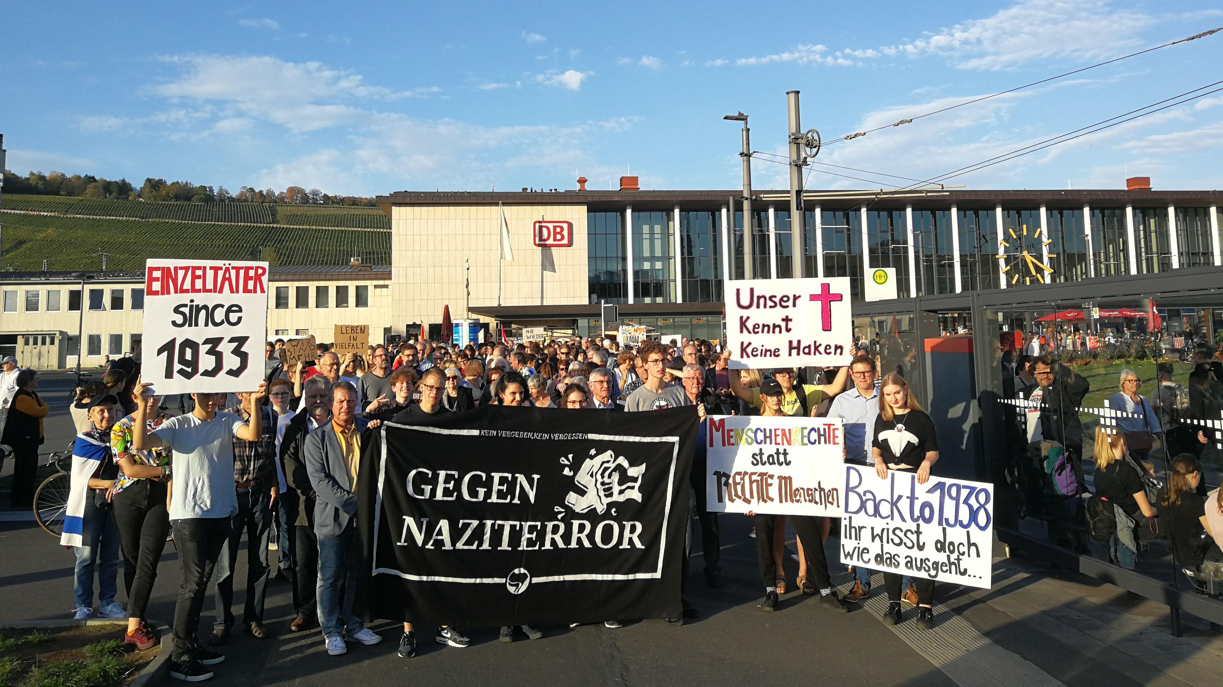 250 Menschen bei Demo gegen Antisemitismus in Würzburg