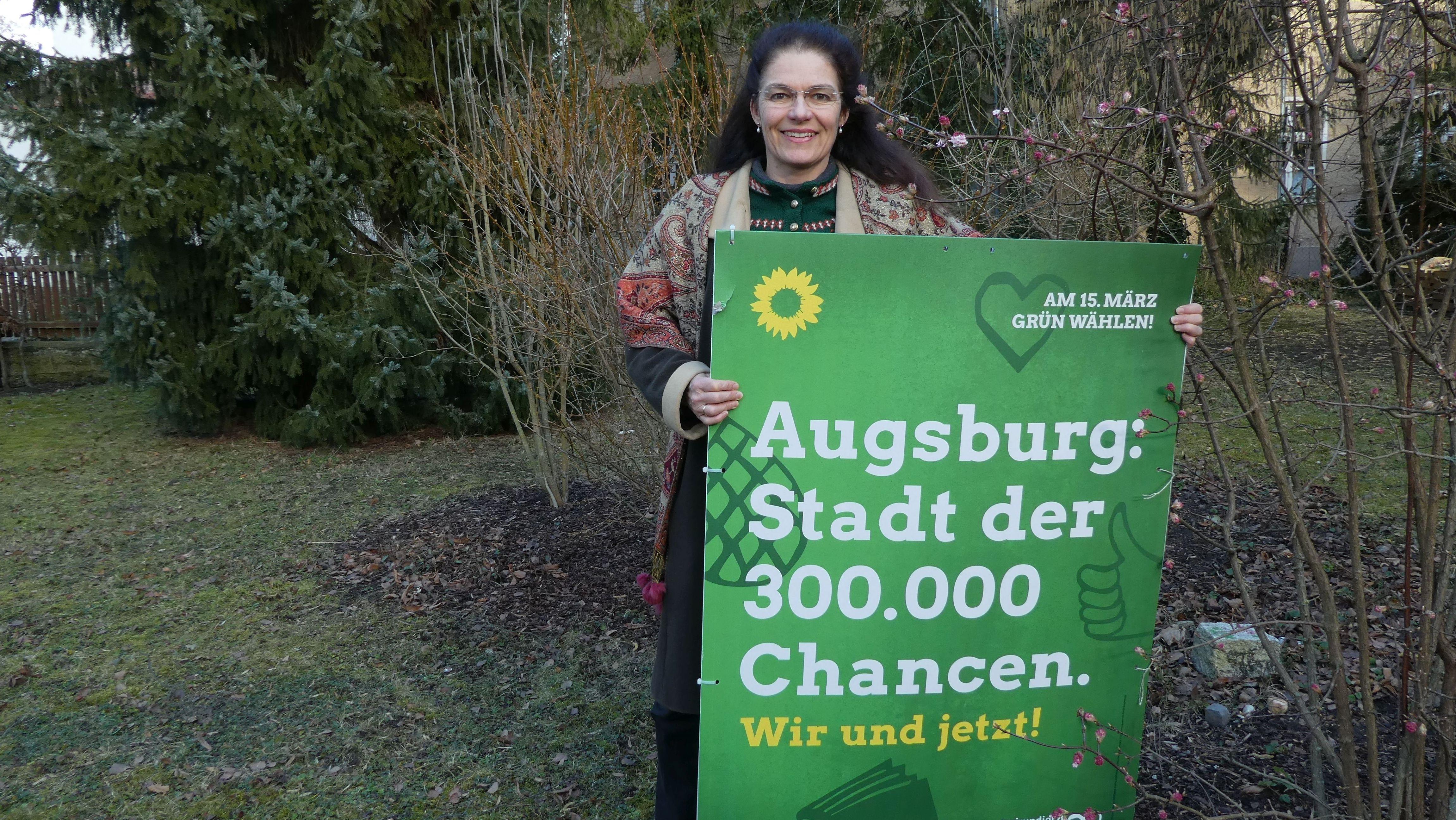 Anne-Kathrin Kapp-Kleineidam ist evangelische Pfarrerin und kandidiert für den Stadtrat in Augsburg.