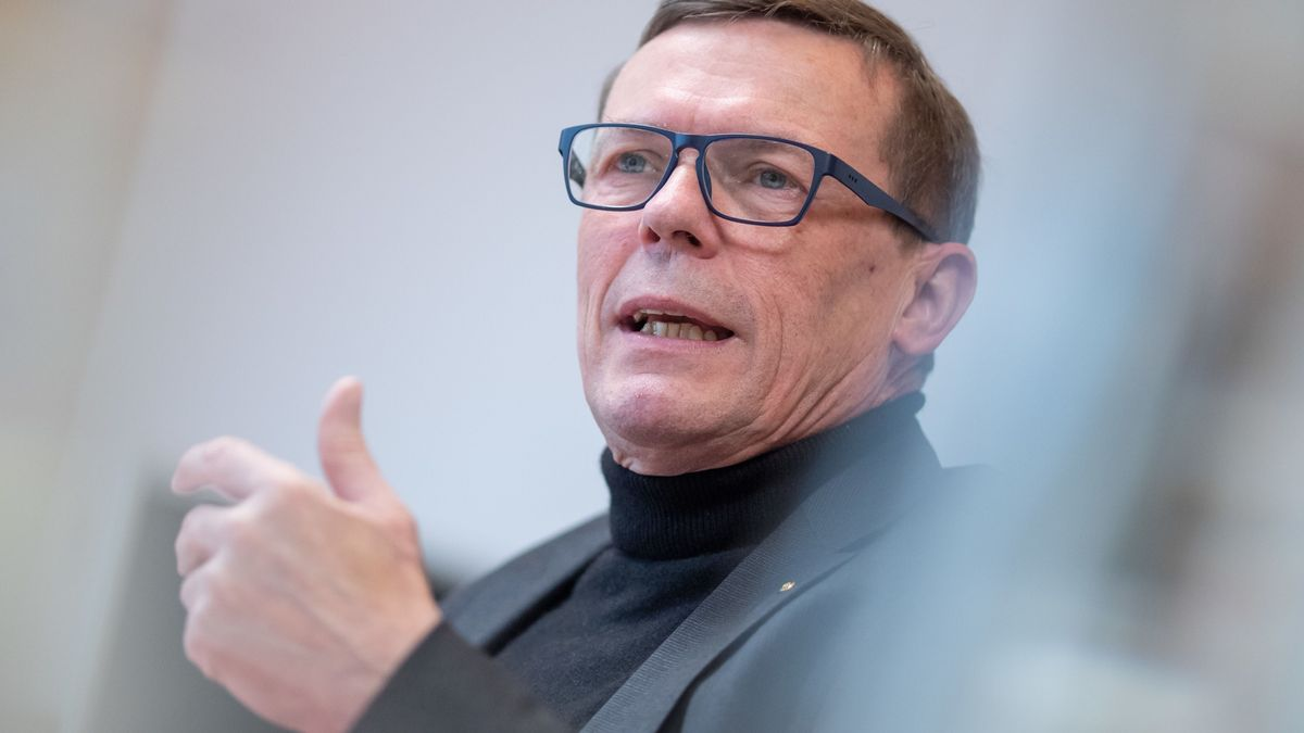 Ralf Holtzwart, Vorsitzender der Geschäftsführung der Regionaldirektion Bayern der Bundesagentur für Arbeit, während einer Pressekonferenz zum bayerischen Arbeitsmarkt
