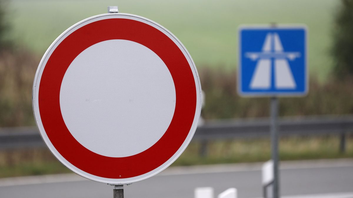 Autobahnsperrung, Schild