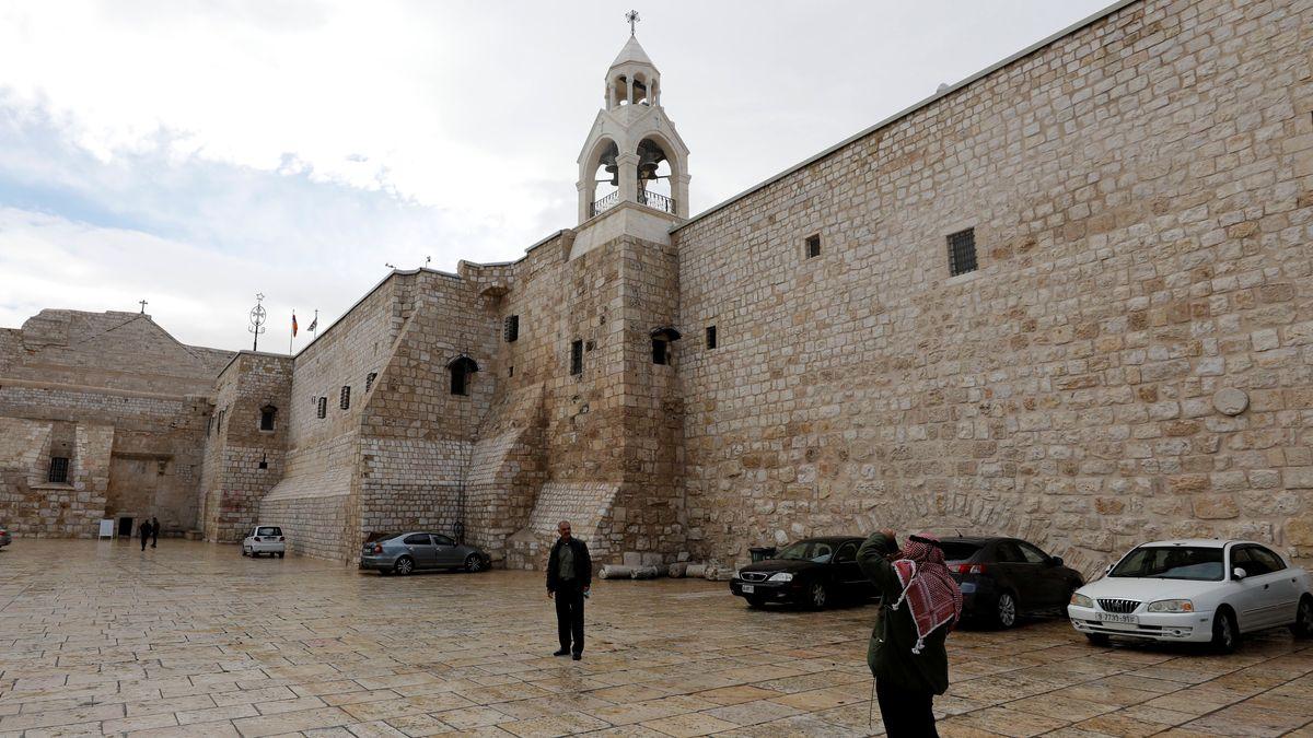Leere vor der Geburtskirche Jesu in Bethlehem