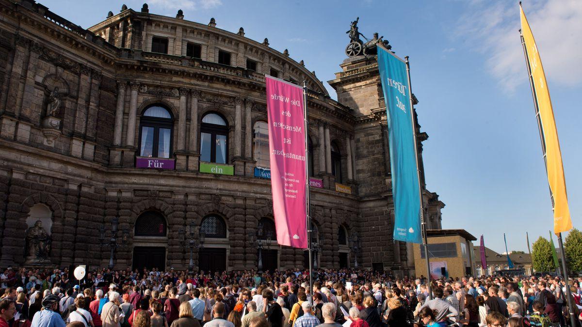 Demo in Dresden am Weltflüchtlingstag