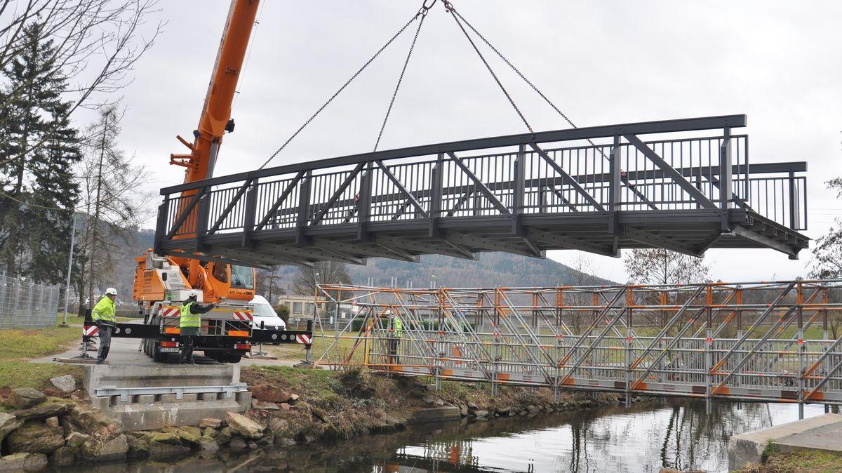Dumm gelaufen - Neue Brücke passt nicht