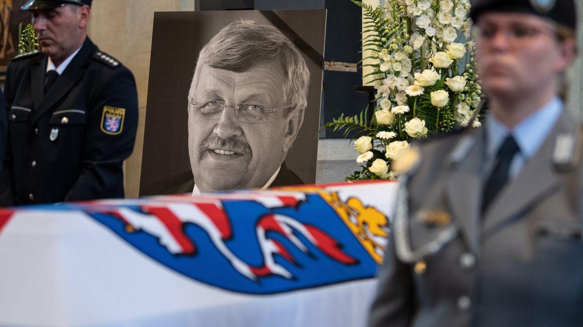 Am 2. Juni 2019 wurde Walter Lübcke auf seiner Terrasse erschossen -  mutmaßlich von einem Rechtsextremisten.