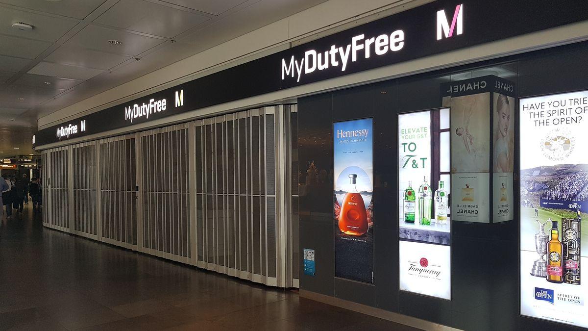 Nahezu menschenleere Terminals: Der Betrieb am München Flughafen ist in Folge der Corona-Pandemie massiv eingebrochen.