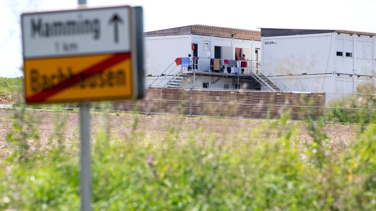 Ende Juli kam es auf dem Gemüsehof in Mamming zu einem Corona-Ausbruch. Immer wieder werden Vorwürfe gegen den Gemüsebauern laut.