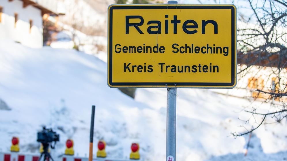 Straßenschild von Raiten | Bild:picture alliance/Christoph Reichwein/dpa