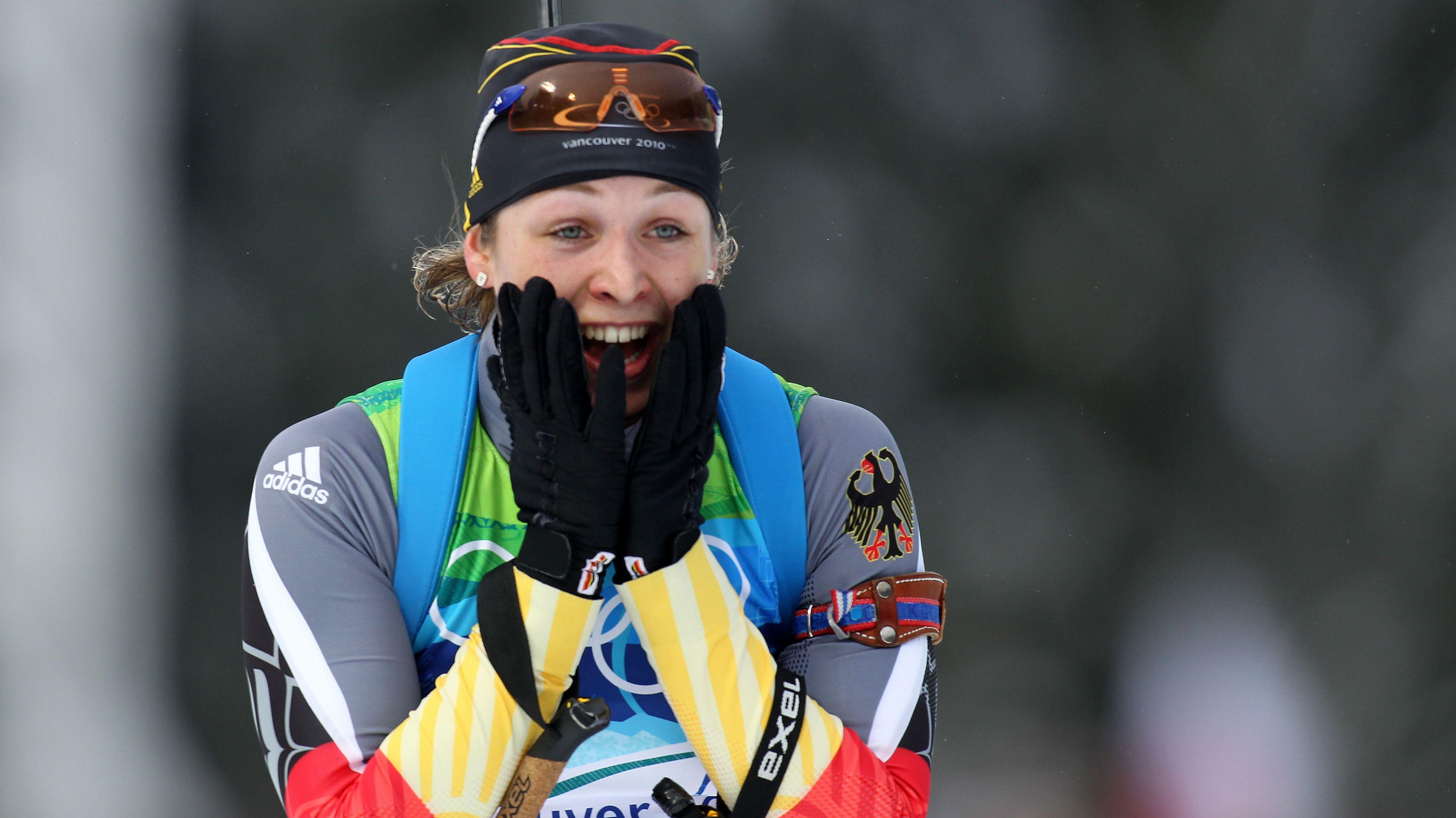 Magdalena Neuner beim Zieleinlauf zu Olympischen Gold im Verfolgungsrennen 2010 in Vancouver