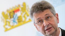 Bayerischer Kultusminister Michael Piazolo (Freie Wähler) | Bild:picture-alliance/dpa/Peter Kneffel