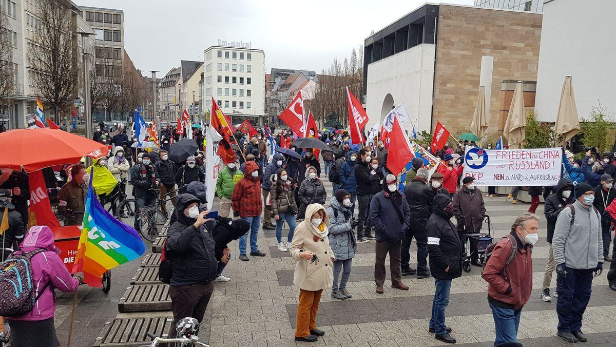 Das Nürnberger Friedensforum hatte zum traditionellen Ostermarsch aufgerufen.