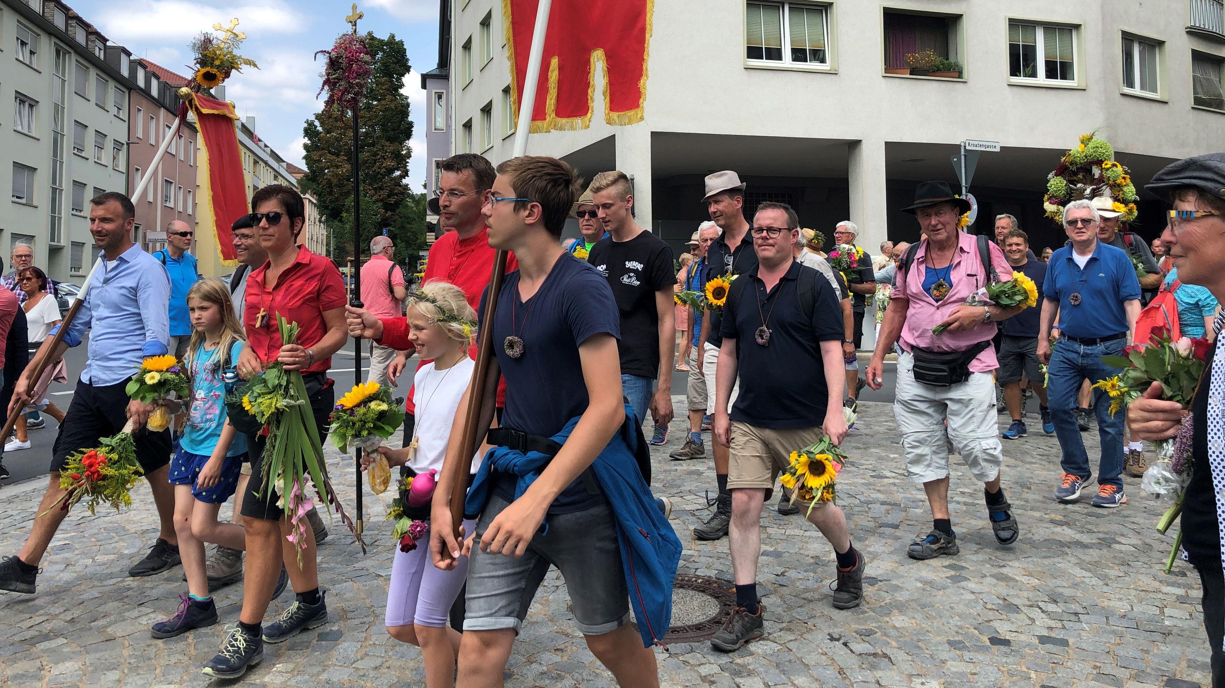 Die Wallfahrer kamen planmäßig am Samstagnachmittag in der Würzburger Semmelstraße an.