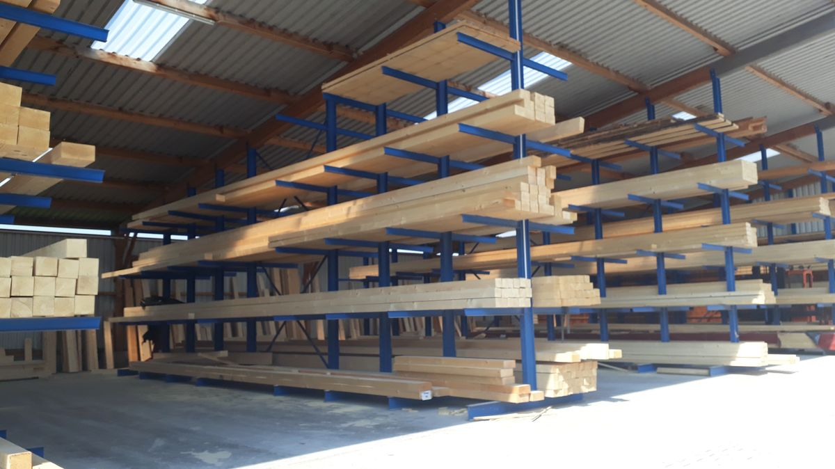 Holzlager vom Holzwerk Haidt im Landkreis Kitzingen.