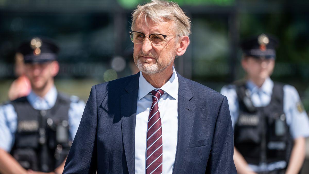 Armin Schuster (CDU), Obmann im Innenausschuss des Bundestags