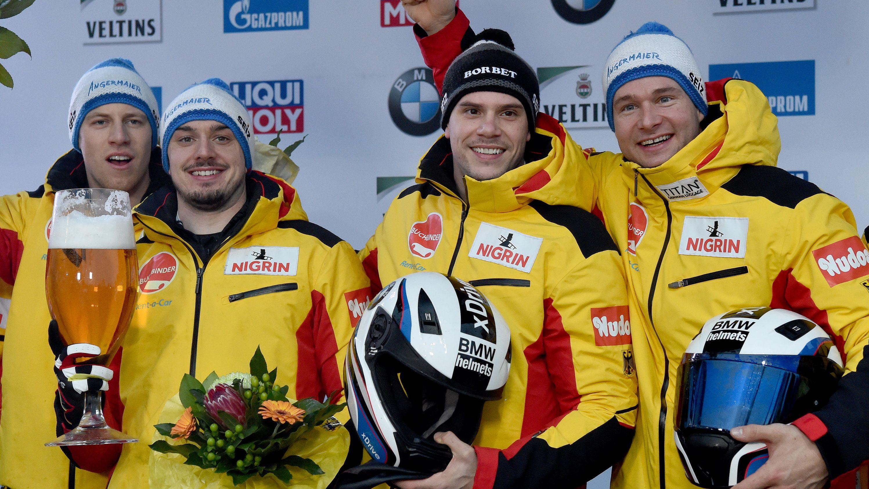 Team Deutschland freut sich über den Weltcup-Sieg